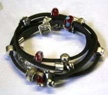 Voorbeeld armband met Leer